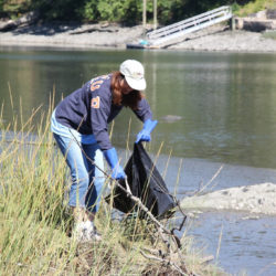 2016-river-clean-up-08