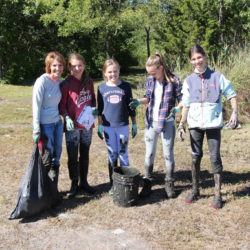 2016-river-clean-up-19